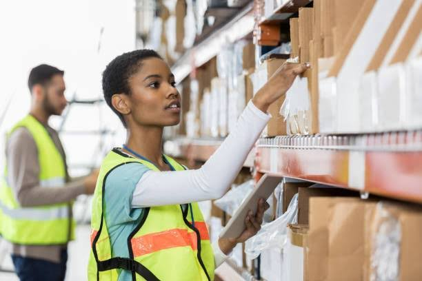 Picker and packer urgently needed – for warehouse